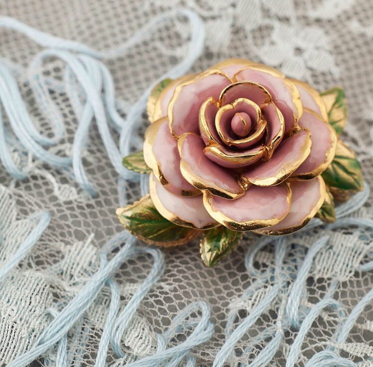 rose on lace.JPG