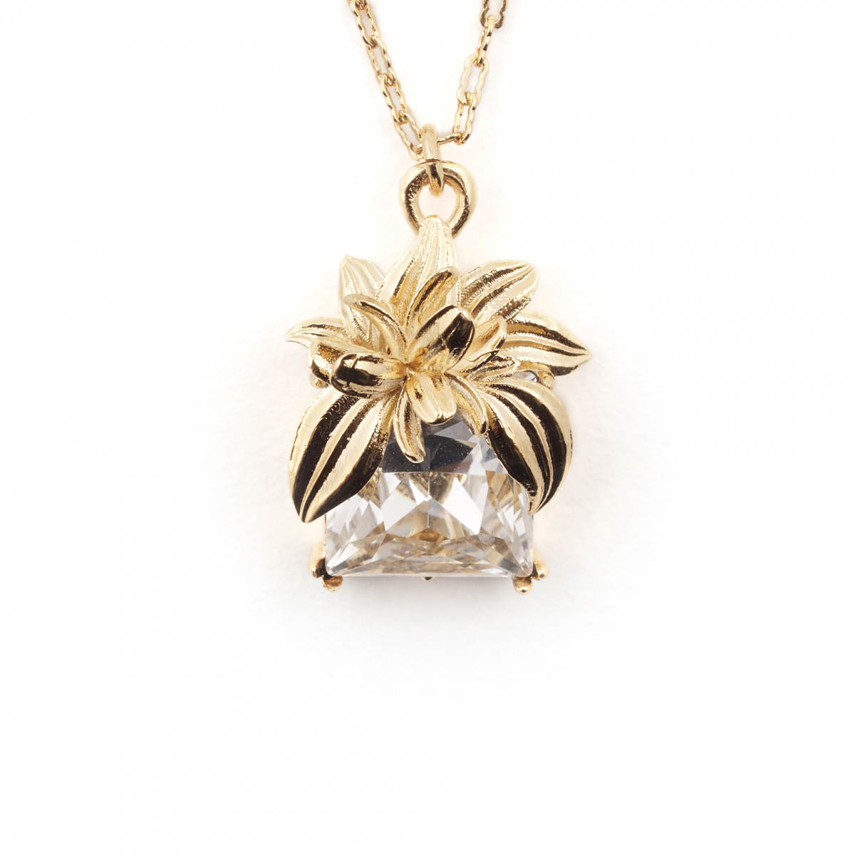 The Evelyn Edit Crystal Pendant - Large