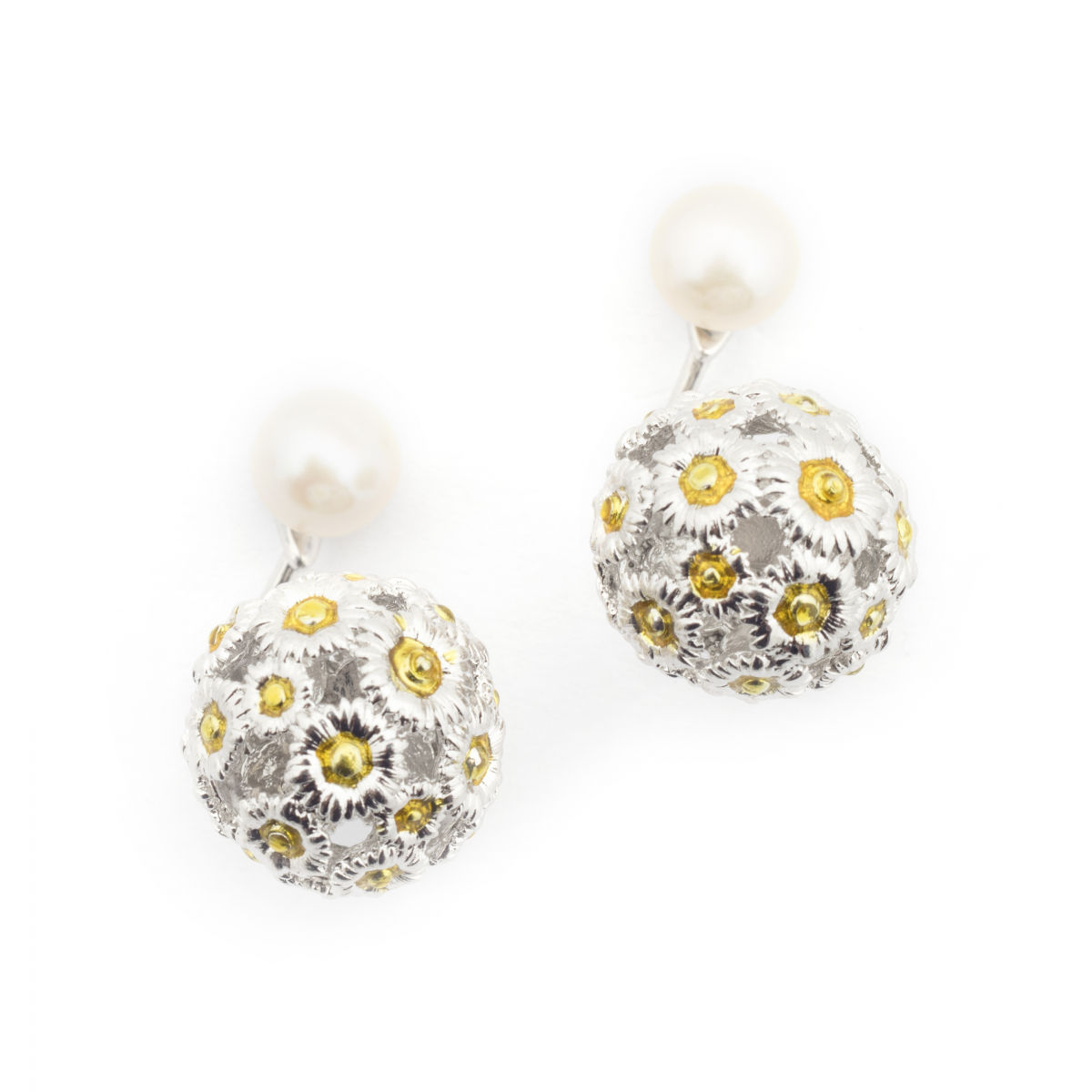 Daisy & Pearl Through Earrings - Rhodium
