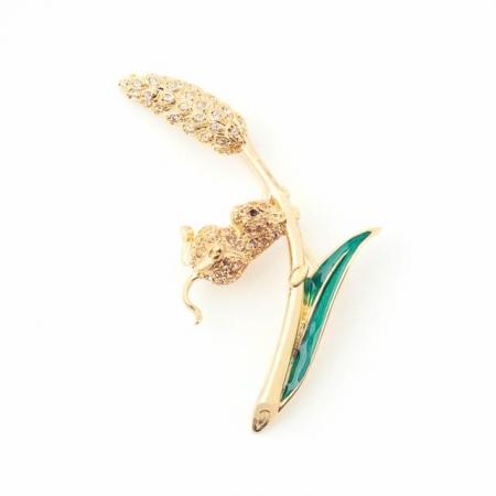 field mouse brooch fashion jewellery